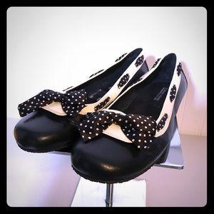 Donald J Pliner Fancy Black Leather Bow Flats